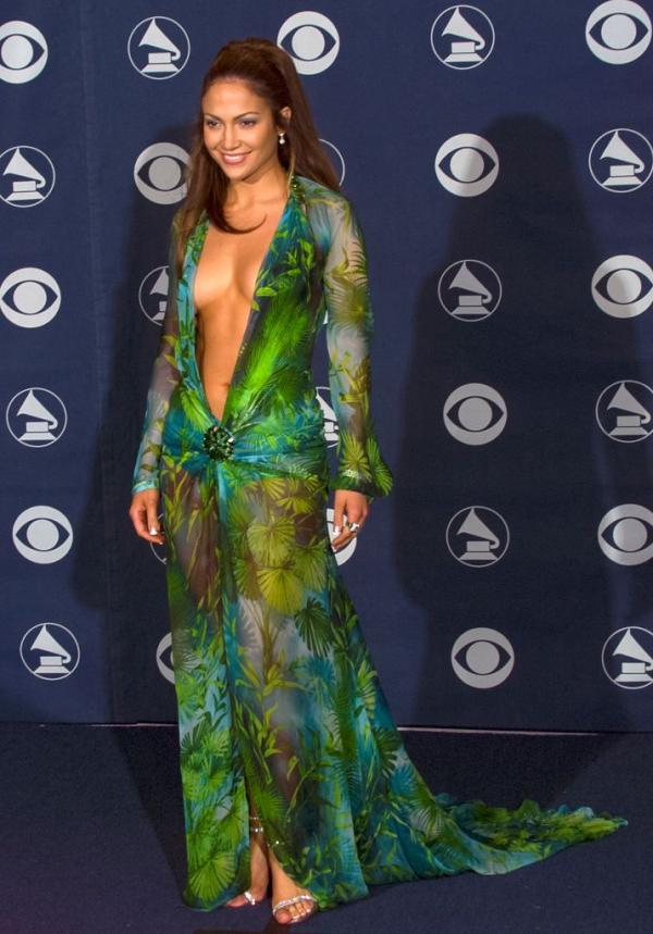 jennifer-lopez-versace-grammy-dress-1516877176.jpg
