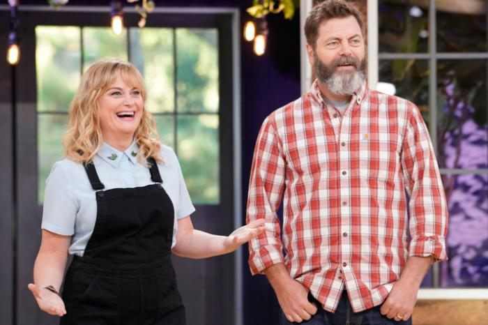 review amy poehler and nick offerman 39 s 39 making it 39. Black Bedroom Furniture Sets. Home Design Ideas