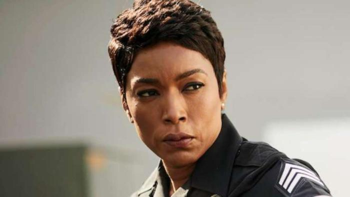 911-angela-bassett-fox-9-1-1.jpeg
