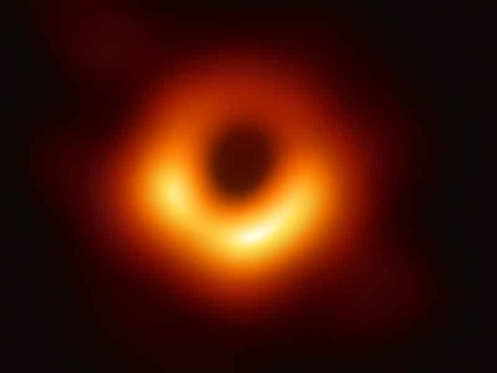 supermassive_black_hole.jpg