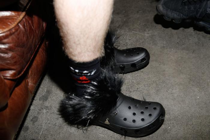 croc-gloves-header.jpg