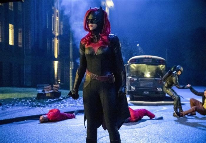 BatwomanpremieretheCW-1.jpg