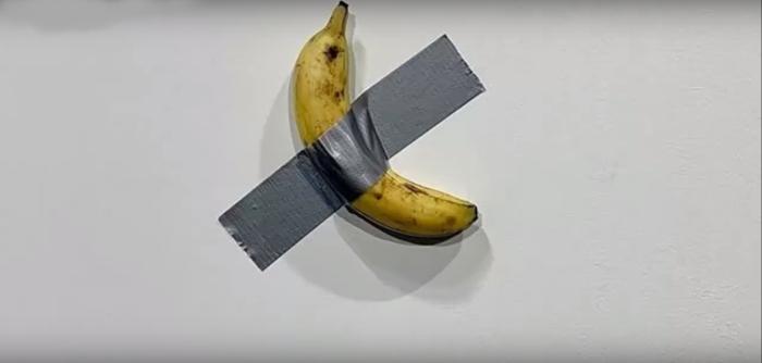 Maurizio Cattelan banana.png