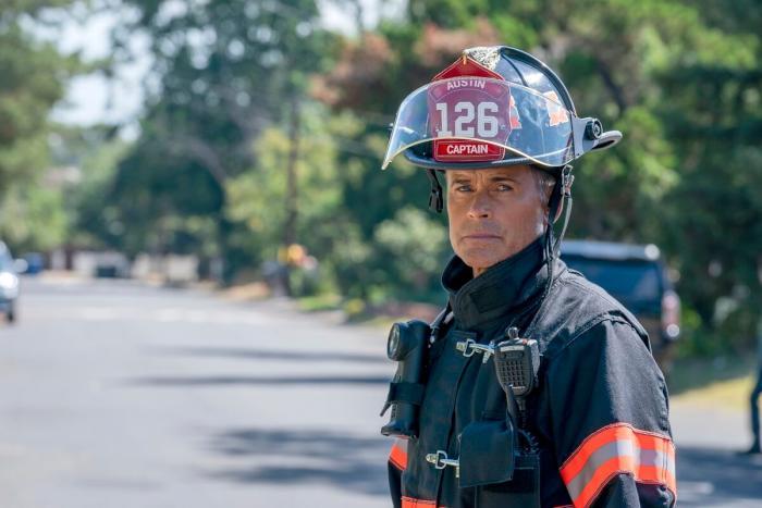 911 Lone Star Rob Lowe.jpg