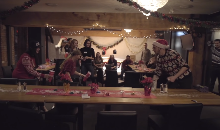 christmas-dinner-for-firty-strangers-header.png