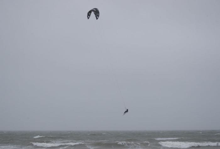 kite-surfing-nightmare-header.jpg