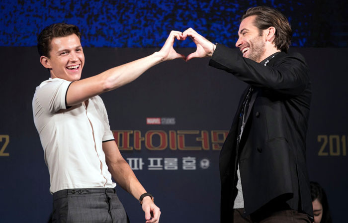 Tom-Holland-Jake-Gyllenhaal-1159169683.jpg
