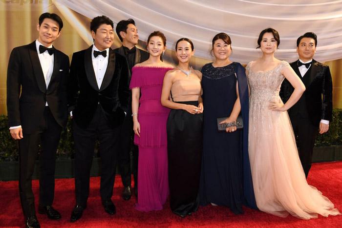 Parasite-Cast-Oscars-1199727666.jpg