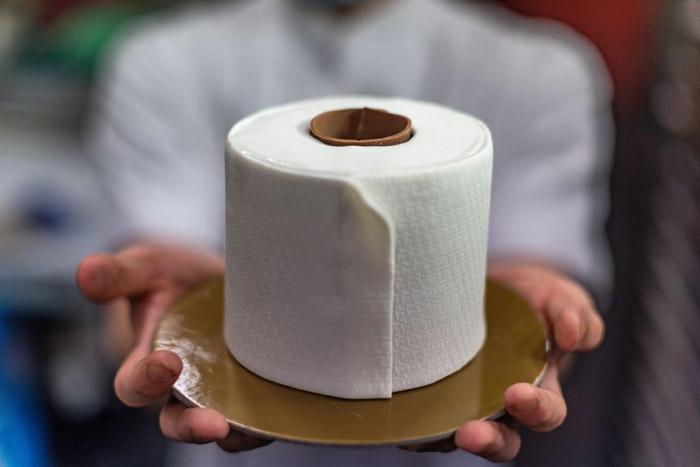 toilet-paper-cake-1217736661.jpg