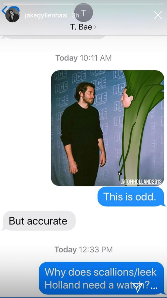 Jake-Gyllenhaal-Tom-Holland-texts.jpg