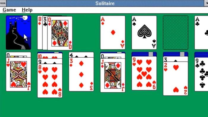 girlgamerslovesolitaire.jpg