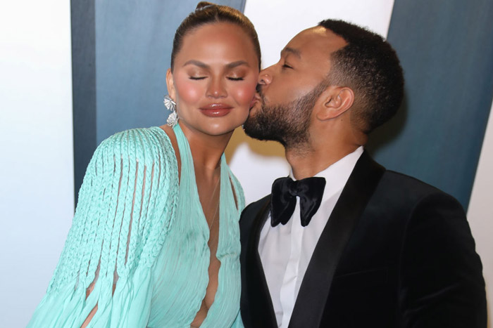 Chrissy-Teigen-John-Legend-1209317538.jpg