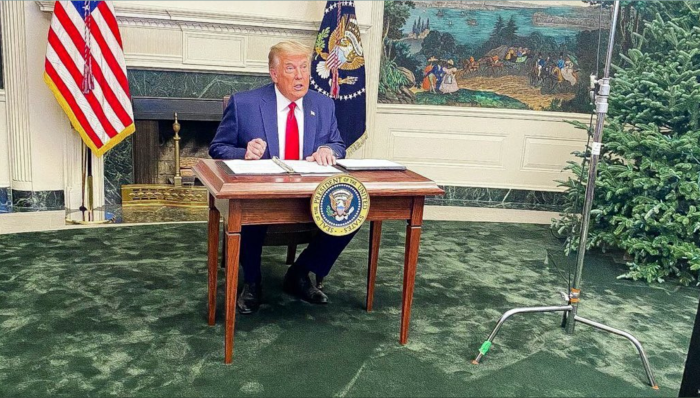 big-man-little-desk.png