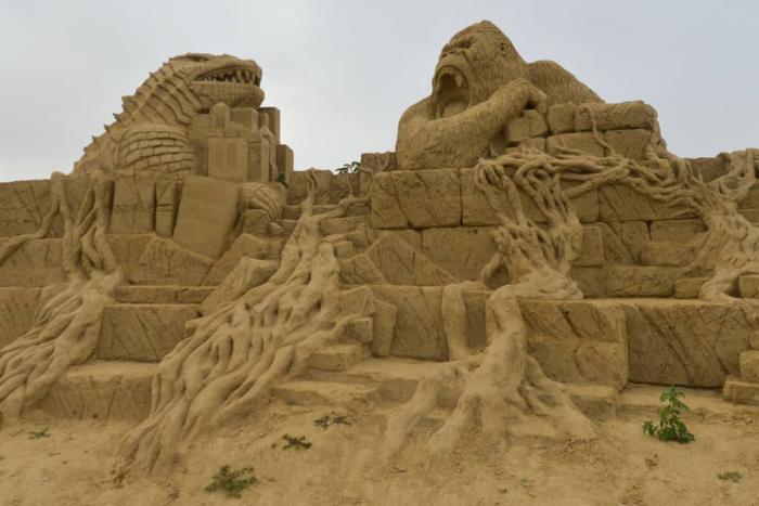 Godzilla Kong sand Getty.jpg