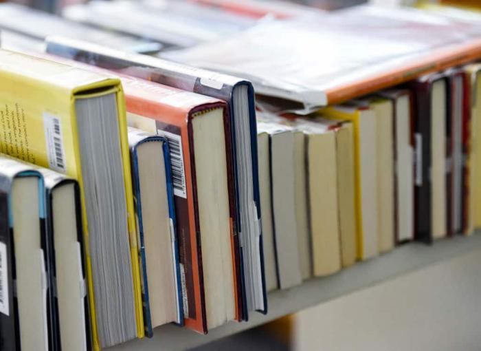 Books Library Getty 2.jpg