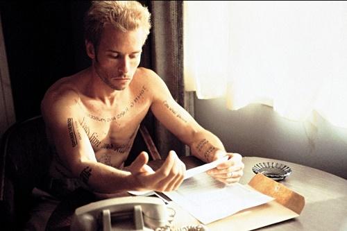 Pajiba - Guy Pearce in Memento.jpg